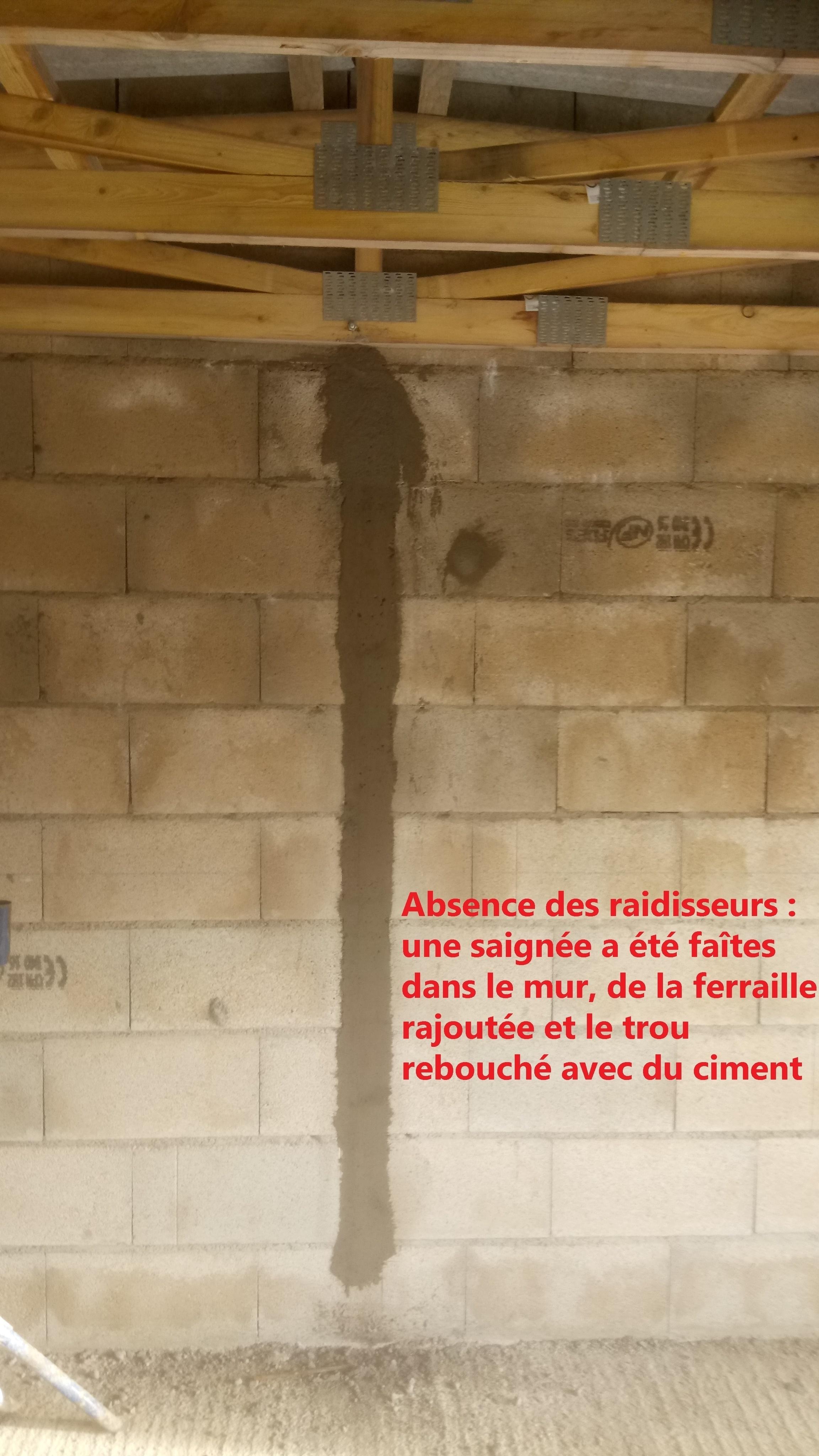 DSC_0446 signée dans le mur  bis