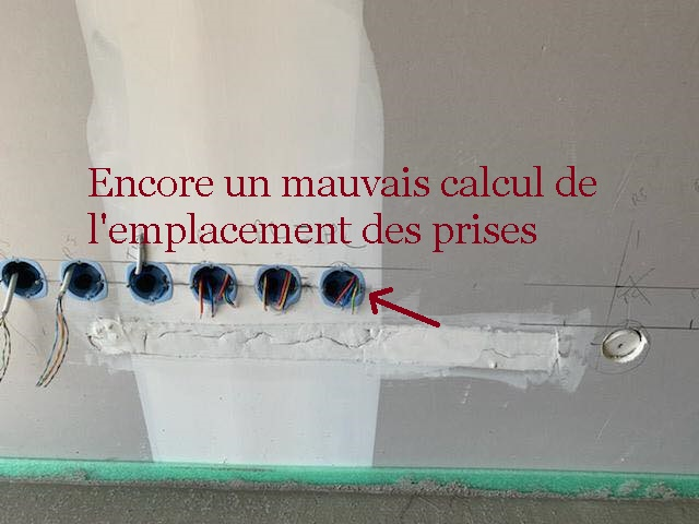 Prises-mal-placées-Maison-TOP-DUO-AST-groupe-oops