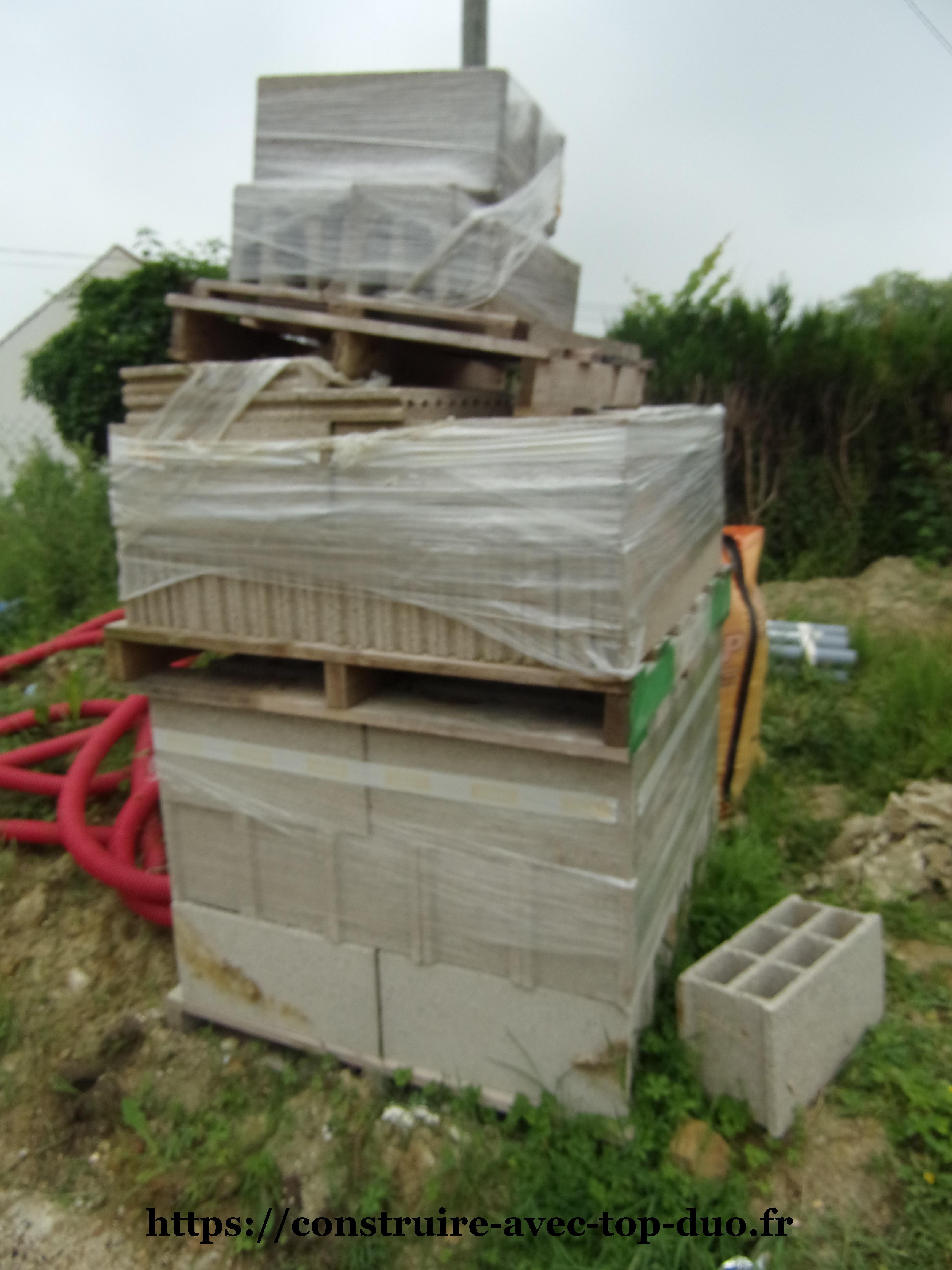 Matériaux chantier TOP DUO empilés